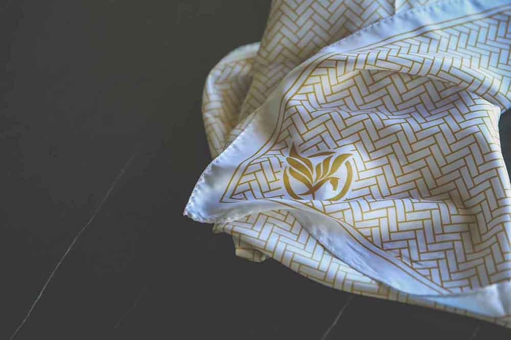 merch-scarf